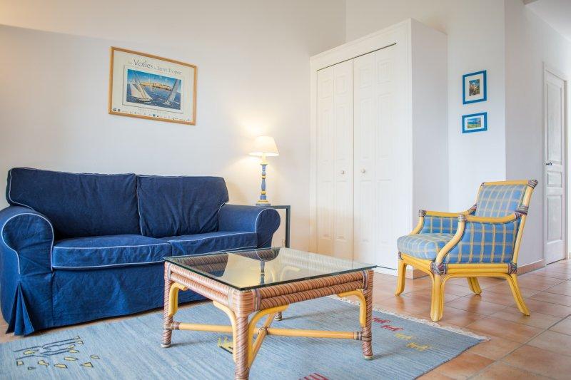 maison mitoyenne in gassin f r 2 personen ferienhaus tropez. Black Bedroom Furniture Sets. Home Design Ideas